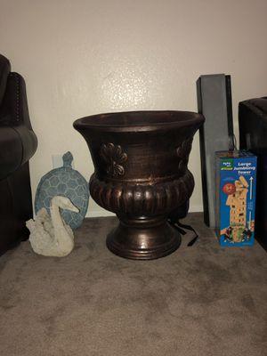 Big flower pot for Sale in North Las Vegas, NV