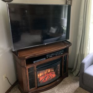 Fireplace Tv Stand Entertainment Center for Sale in Oregon City, OR