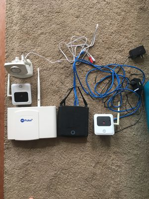 ADT PulsePoint security system with linksys router for Sale in Haymarket, VA