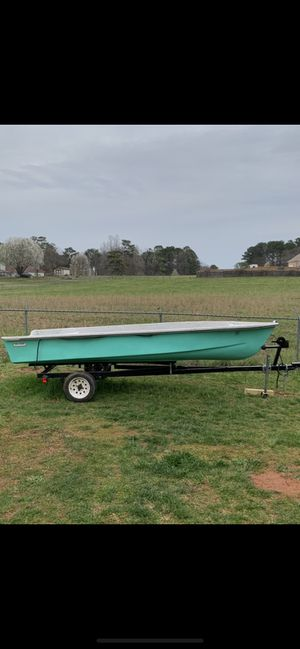 15 ft fiberglass boat and trailer for Sale in Fayetteville, GA