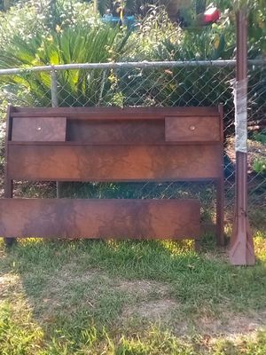 Vintage twin bed frame with head board and foot board for Sale in Houston, TX