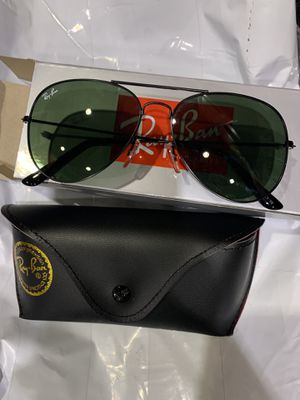 Black sunglasses for Sale in Manassas, VA