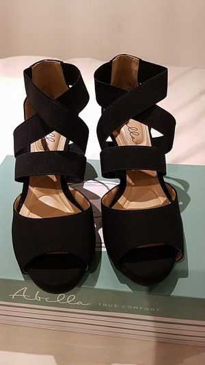 Abella Strappy Heels. Size 7.5. for Sale in Downey, CA