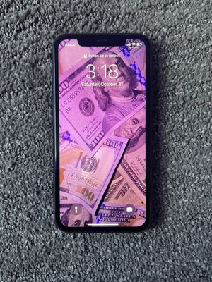 iPhone 11 black for Sale in Des Moines, IA