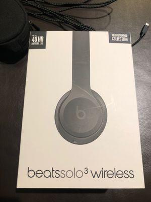 Beats solo 3 wireless headphones for Sale in Novato, CA