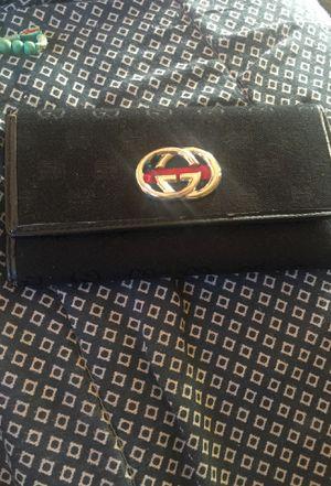 Women's Gucci wallet for Sale in Glastonbury, CT