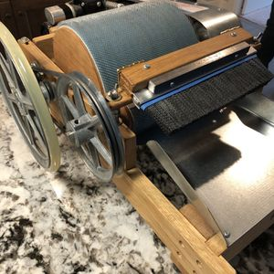 """Duncan Electric Drum Carder 12"""" Like New for Sale in Redmond, OR"""