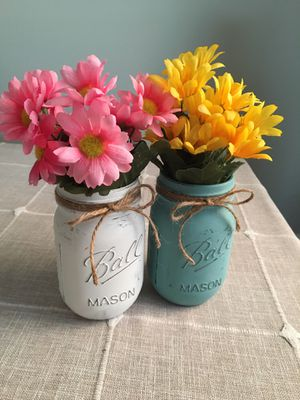 Mason jars with silk flowers for Sale in Plainfield, IL