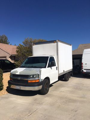 2004 Chevy Express 2500 cube van for Sale in Apple Valley, CA