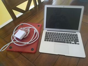 13' Macbook Air. Early 2015. Screen's very dim. Needs fixed. for Sale in Fort Myers, FL