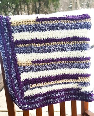 Handmade Cuddly & Cozy Crocheted Purple Baby / Throw Blanket for Sale in OH, US