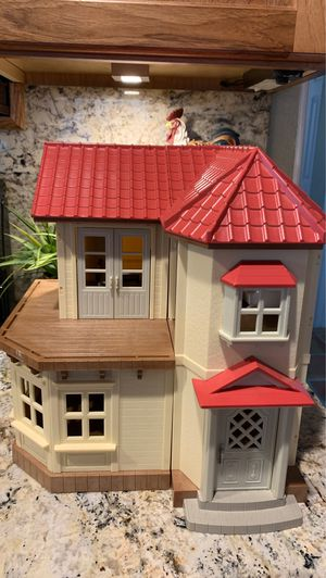 Doll house and furniture. for Sale in Lantana, FL