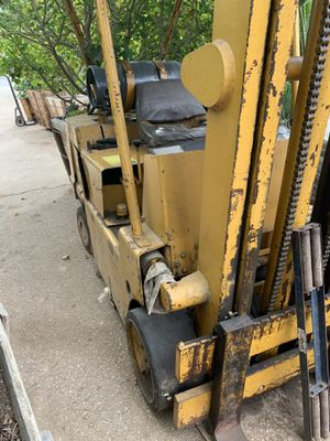 Forklift, not working , sell as is for Sale in Highland, CA