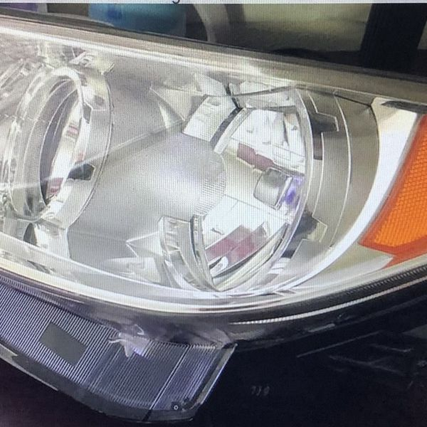 2010-12 Left Side Buick LaCrosse Headlight Assembly