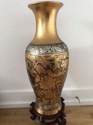 Flowers vase for Sale in Falls Church, VA
