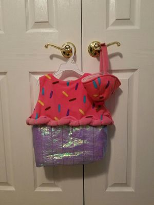 Cup cake costume 18 mo for Sale in Tarpon Springs, FL