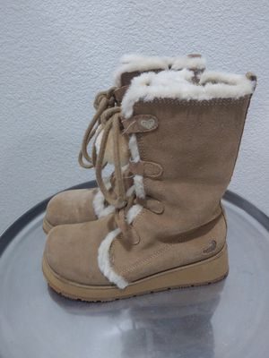 Roxy snow boots kids size 2 for Sale in Fullerton, CA
