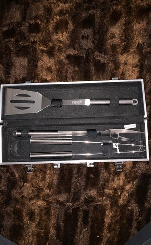 BBQ grilling tools set w/ case for Sale in Pasadena, CA