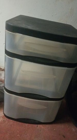 3 drawer plastic for Sale in Meriden, CT