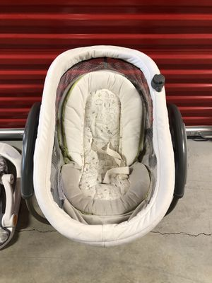 Graco baby swing and tub for Sale in Portland, OR