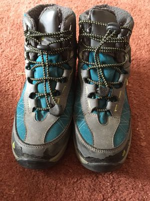 Girls Hiking shoes size 2 for Sale in San Francisco, CA