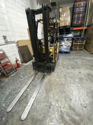 Caterpillar forklift just serviced 3 stages for Sale in New Hyde Park, NY