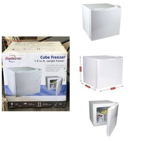 Koolatron 1.2 Cubic Foot (34 Liters) Upright Cube Freezer with Adjustable Thermostat for Sale in Stafford, TX