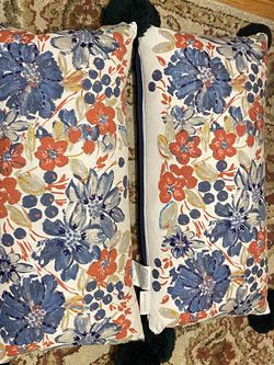 2 Envogue Decorative Pillows for Sale in Queens,  NY