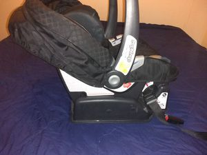 Car seat with base for Sale in Tulsa, OK