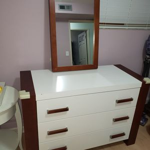 Pottery barn dresser and mirror for Sale in Lynnwood, WA