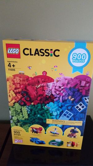 LEGO 900 PIECE CLASSIC NEW SEALED for Sale in Cypress Gardens, FL