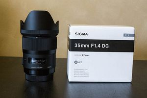 Sigma Art 35mm F/1.4 DG HSM Lens For Sony A-mount w/ Filter for Sale in Chicago, IL
