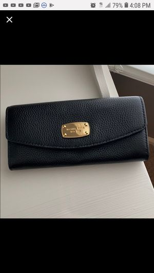 MICHAEL KORS blk LEATHER WALLET for Sale in Stockton, CA