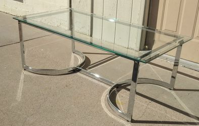 Gorgeous Meridian Copley Chrome & Glass Coffee Table for Sale in Glendale,  AZ