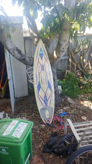 """6'6"""" surfboard pretty good condition and ready to rip🤟 for Sale in San Francisco, CA"""