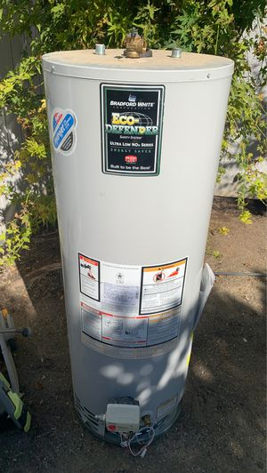 Bradford White 40 Gallon Water Heater for Sale in Clovis, CA