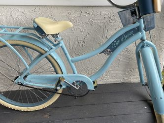 ADULT CRUISE BIKE for Sale in Mountlake Terrace,  WA