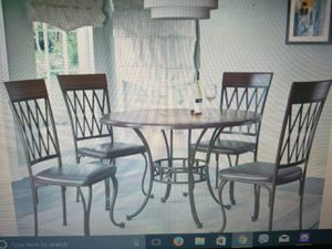 Dinner table with 4 chairs very very good condition like new for Sale in Roseville, MI