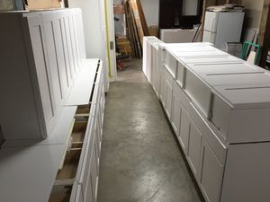 Big Kitchen Cabinet Set 30 Pieces for Sale in Tukwila, WA