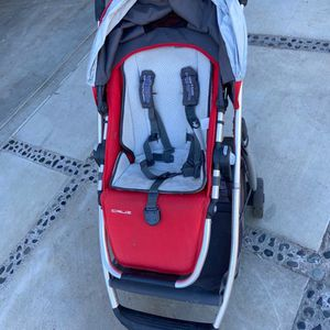 UPPABaby Cruz Stroller With Scooter attachment for Sale in San Diego, CA
