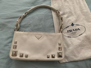 Authentic Prada white Leather bag for Sale in Las Vegas, NV