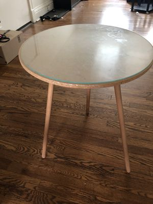1 x Round Wooden Side Table with Glass Top for Sale in Clayton, MO