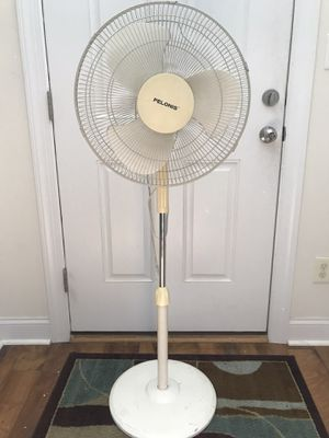 FREE: Stand Up Pelonis Oscillating Fan for Sale in Huntersville, NC