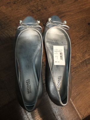 Michael Kors Women's Size 7 Silver Flats for Sale in Bridgeview, IL