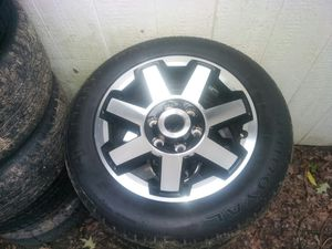 2017 Toyota 4 runner 17s rims with tires 235/55/17 for Sale in Brownsville, TN