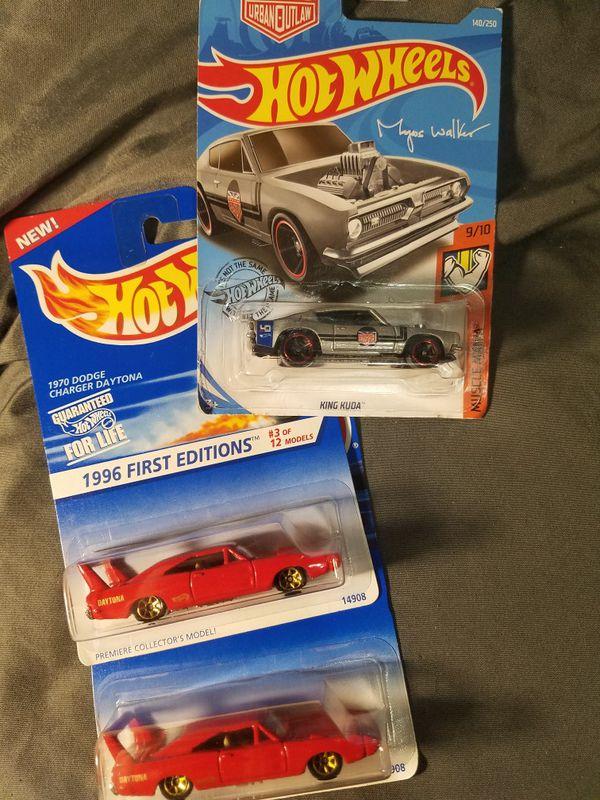 2 Hot Wheels 1970 Dodge Charger Daytona + King Kuda