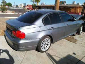2011 BMW 328i sedan parts e90 for Sale in Phoenix, AZ