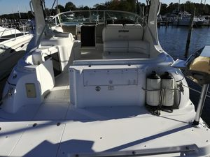 2002 CRUISERS YACHTS 3372 EXPRESS for Sale in Berkeley Township, NJ