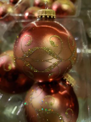 20 Beautiful vintage GLASS ornaments. Burgundy and gold for Sale in San Jose, CA