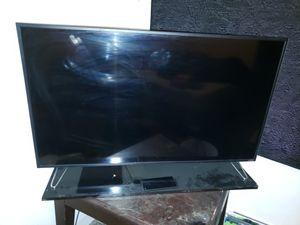 "Never used 50"" vizio 4k smartcast Alexa compatible tv with CAST REMOTE for Sale in Denver, CO"